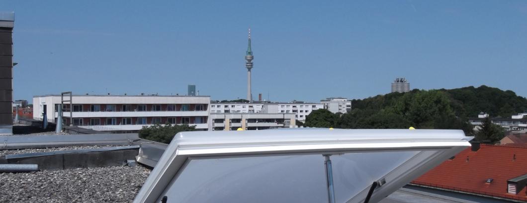 Lichtkuppel mit RWA Anlage Montage München